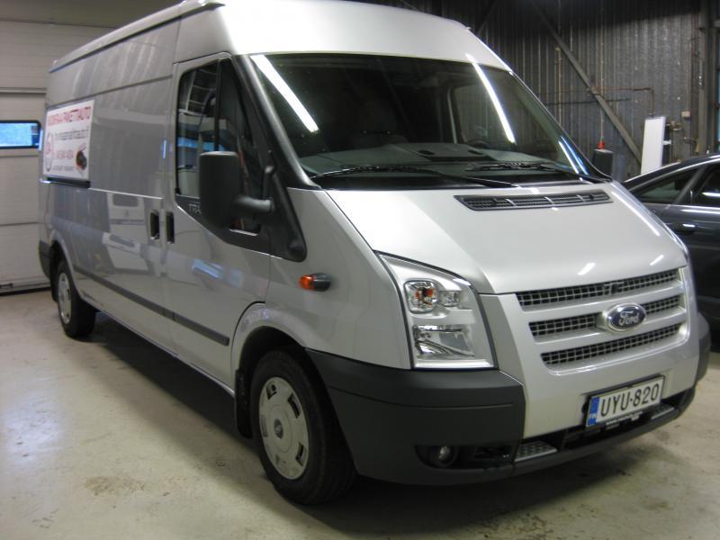 Ford Transit 11m³ UYU-820